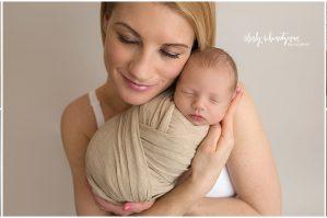 NYC Best Newborn Photographer | www.shirlyschvartzman.com